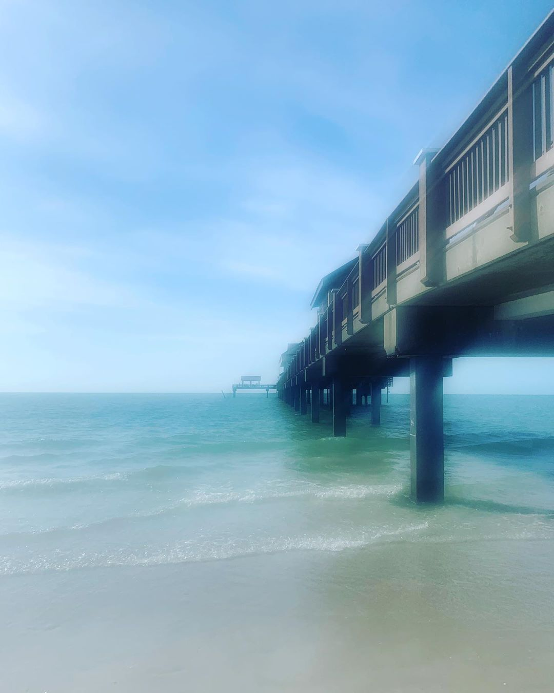 Take me back! #clearwaterbeach #clearwater #florida #vacation #pier #ocean #water #gulfofmexico #beautiful #sunny #nature