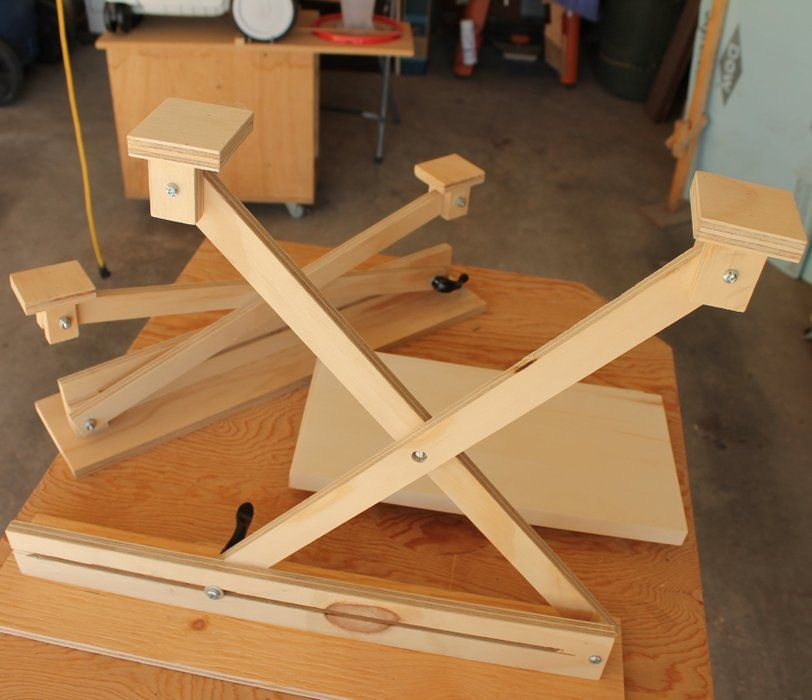 Shop tip adjustable scissor lift assembly jig gives you for Lift top coffee table building plans
