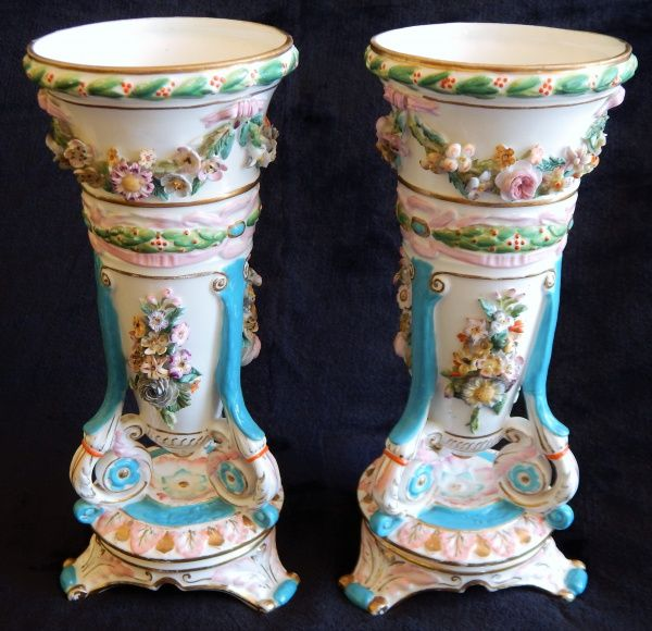 "Par de Vasos , em porcelana ""Viex Paris"", possi.."