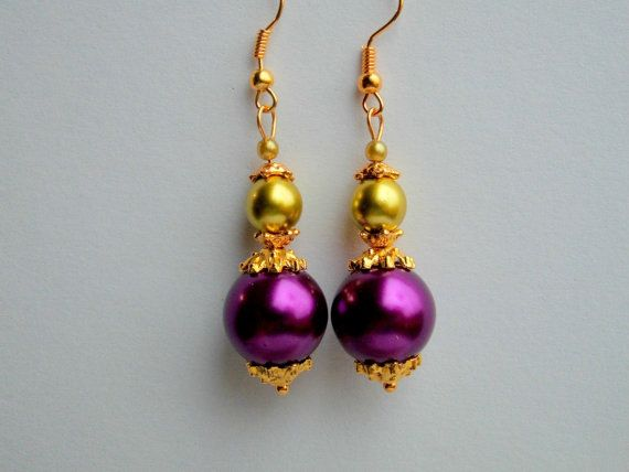 Earrings  purple dangle drop olive gold glass pearls gold plated  Queen Maxima - Baroque version