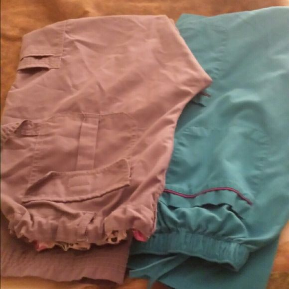 2 pair scrub pants Grey pants are size M, only worn a couple of times and turquoise pants are size L Pants