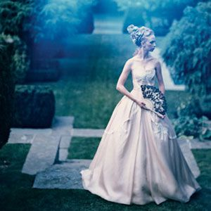 Top Just Wedding.......: Vintage Vera Wang Wedding Elegant White Dress