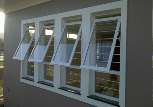 janela que abre para fora
