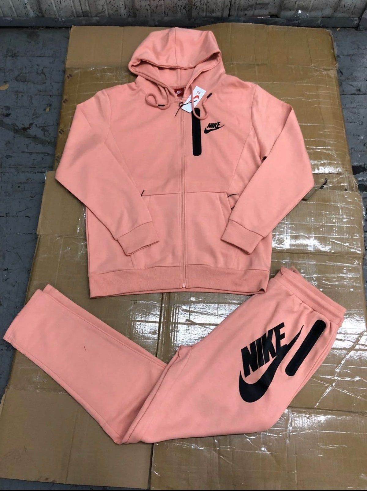 Unisex 3XL Nike Sweatsuit | Cute nike outfits, Hype clothing ...