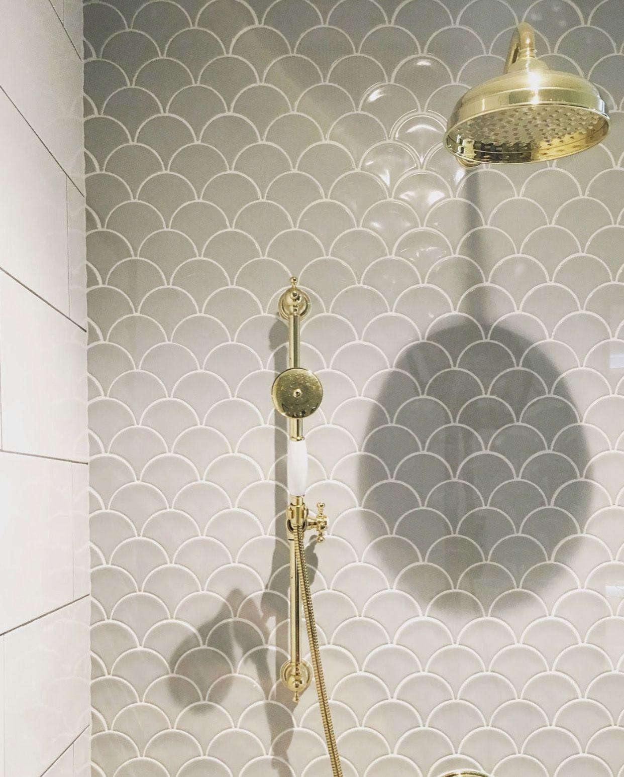 7+ Bathroom Tile Ideas - Colorful Tiled Bathrooms #bathroomtiledesigns
