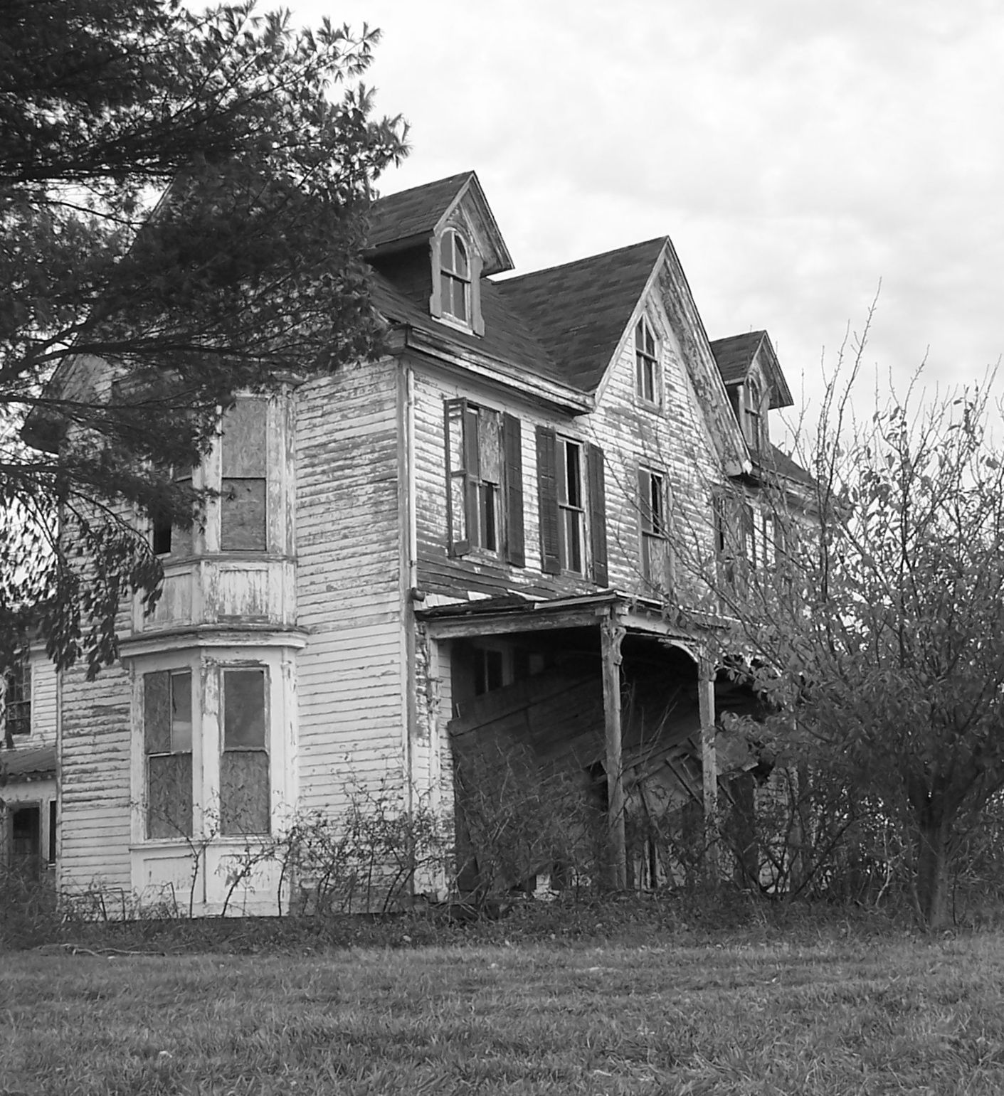 Haunted Places In Pa Halloween: Old House (farmhouse?)