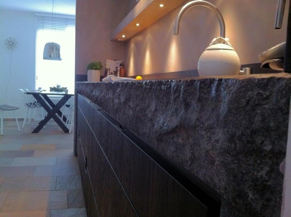 Keuken Zwart Stoere : Slegers natuursteen keuken en bad keuken op maat in de omgeving