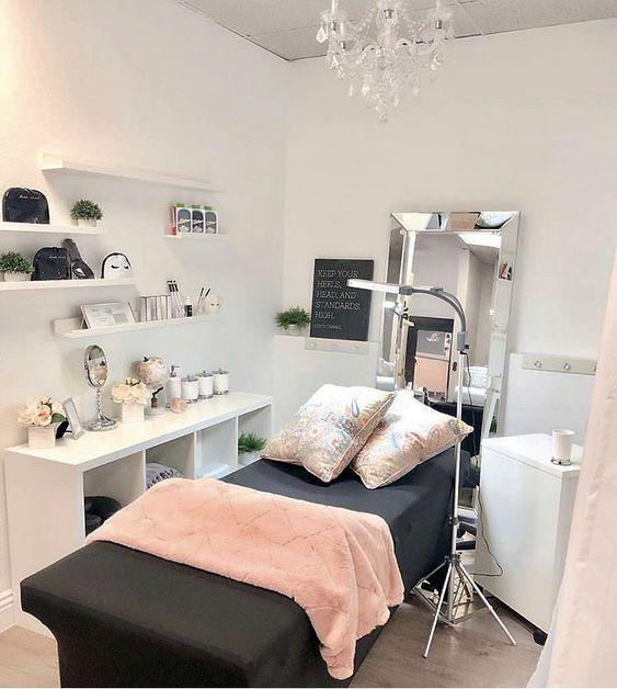 Photo of Wholesale Eyelash Extension Salon Supplies