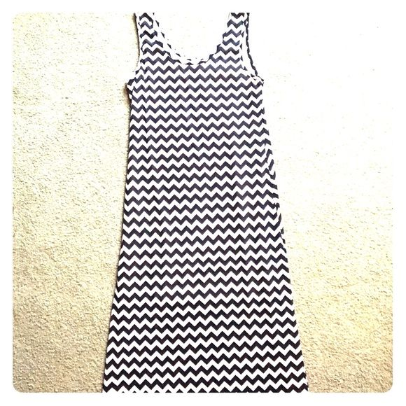 Blue and white chevron jersey dress, size large Meet the comfiest dress you'll ever wear. This blue and white chevron maxi dress from Francesca's Collection will be the highlight of your summer.  Open to offers! Francesca's Collections Dresses Maxi