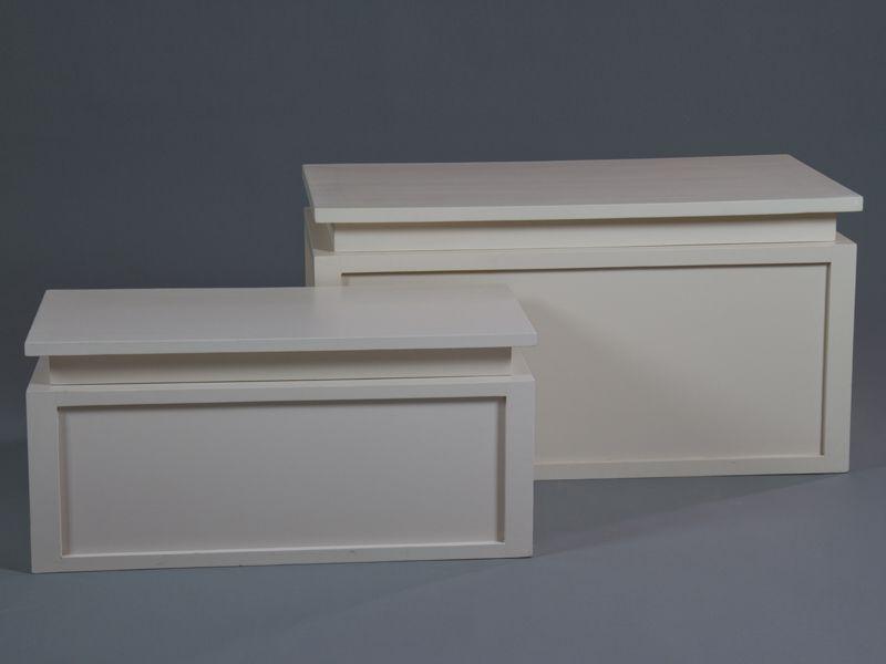 BAULES BLANCOS JGO DE 2 unidades    Medidas:    Grande  85x44x44cm    Pequeño 70x34x34cm    Iva incluido, gastos de envío gratis    También disponbile en  color madera