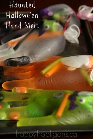 Con pajitas, lana y gelatina/silicona: mano artificial. Haunted Hallowe'en Hand Melt - happy hooligans