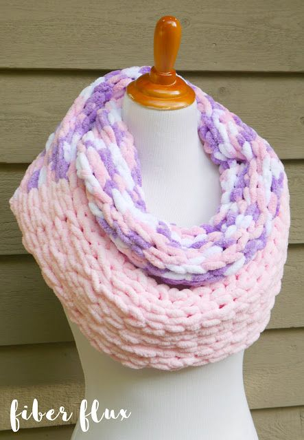 Fluffy Cupcake Cowl Featuring Loop It Yarn from Red Heart ...