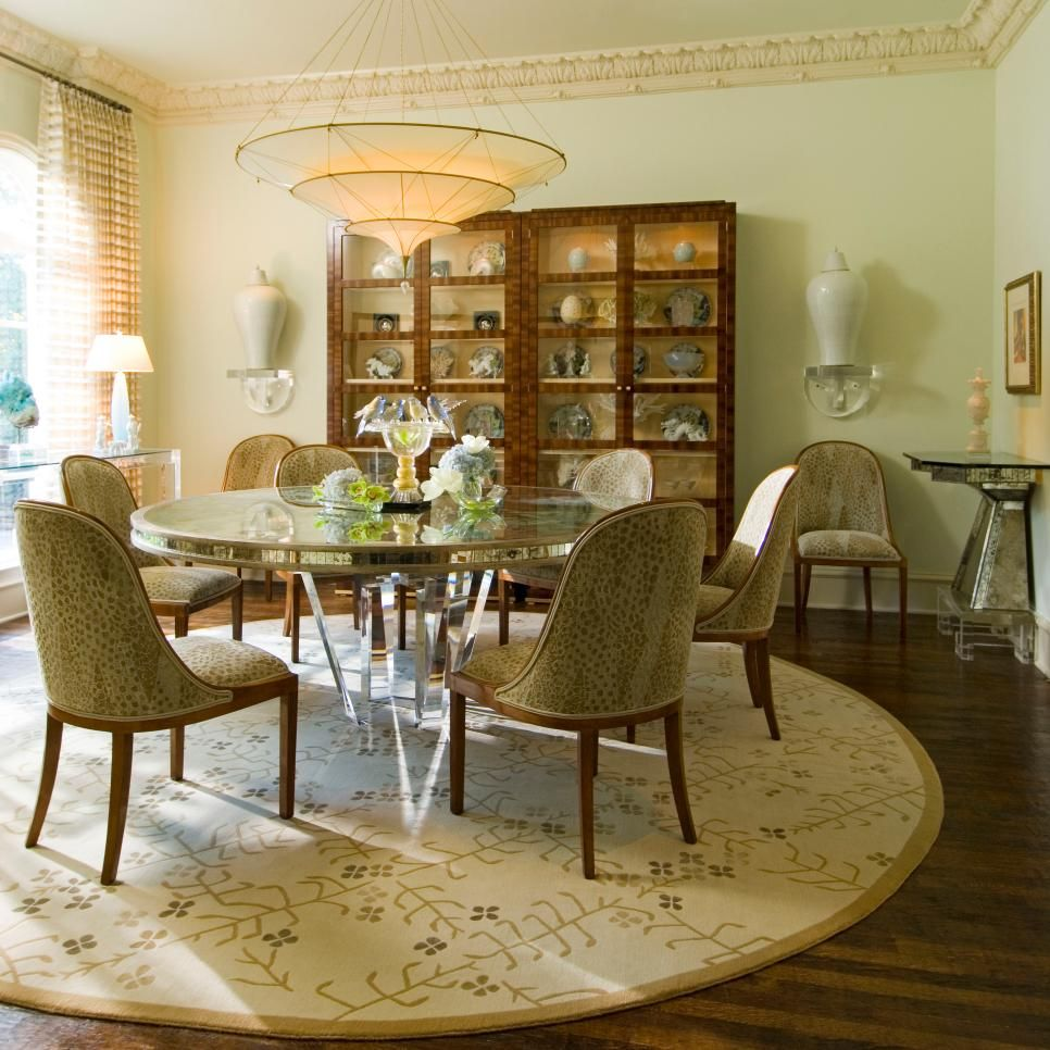 Classic contemporary dining rooms - Traditional Sophistication Is Mixed With Classic Contemporary Pieces To Create An Updated Dining Room With An
