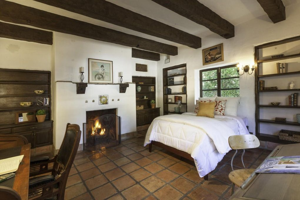 1360 E Valley Rd, Santa Barbara, CA 93108 Home, Spanish