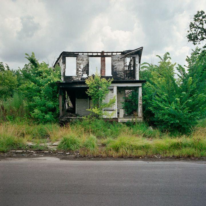 BUY // 100 Abandoned Houses - Artlog