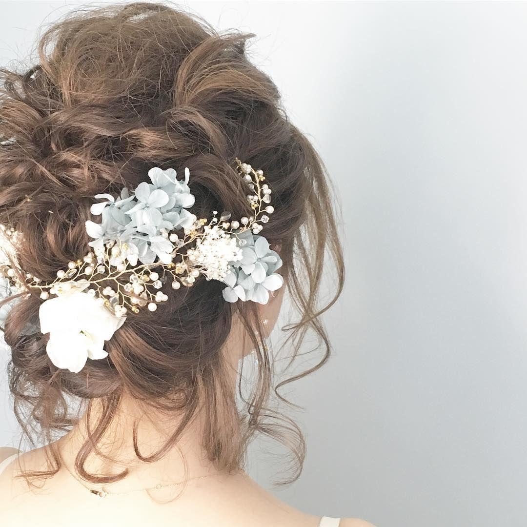 小枝アクセサリーのワイヤーに お花を絡めるのが可愛すぎる Marry