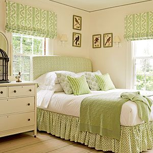 Habitación decorada en verde, estores, ropa de cama, cojines.... Our 17 Favorite Green Rooms | Mixed Patterns | CoastalLiving.com  Color Lesson: you can use multiple patterns and keep them all in the same shade giving you instant decorated look.