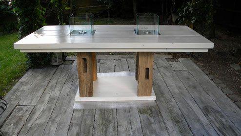 Gartentisch Mit Feuerstelle gartentisch mit feuerstellen tischbeine aus holz des 17 jhd