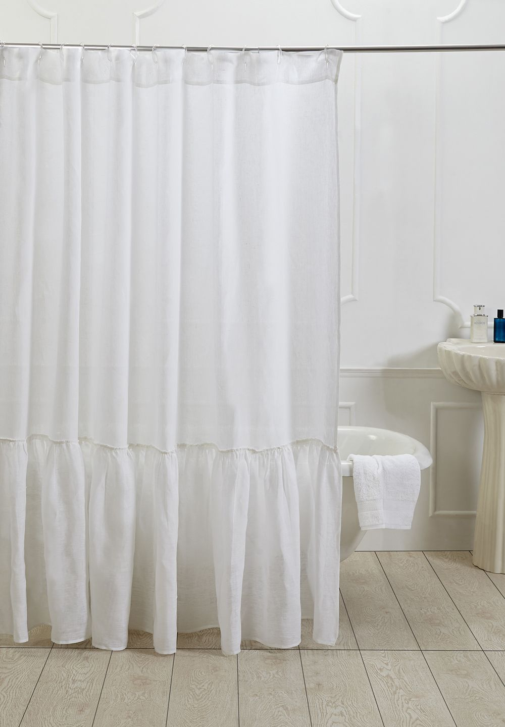 Making Your Bathroom Look Larger With Shower Curtain Ideas | Curtain ...