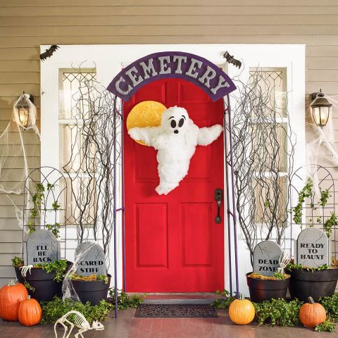 30+ Spooktacular Outdoor Halloween Decorations Outdoor halloween - create halloween decorations