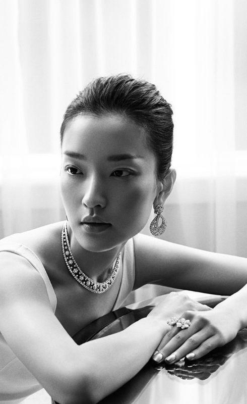 pinterest.com/fra411 #asian #beauty Du Juan ♥