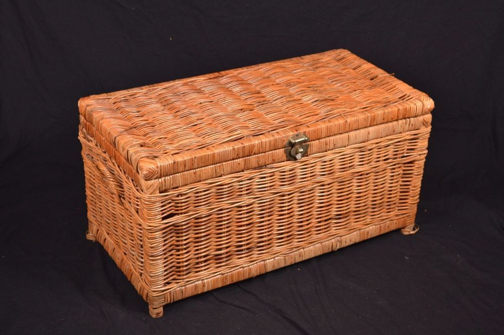 Large Brown Rattan Wicker Storage Trunk Hope Chest Box Wood Handles Lock Latch Unbranded Country