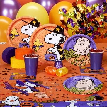 Peanuts halloween party! #Snoopy Peanuts Halloween! Pinterest