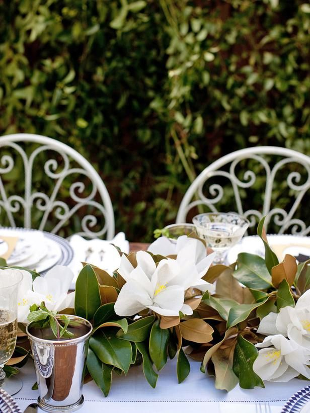 How To Make A Paper Magnolia Garland Centerpiece Southern Style Wedding Magnolia Wedding Wedding Centerpieces Diy