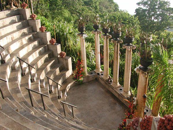 Amphitheater At Villa Caletas
