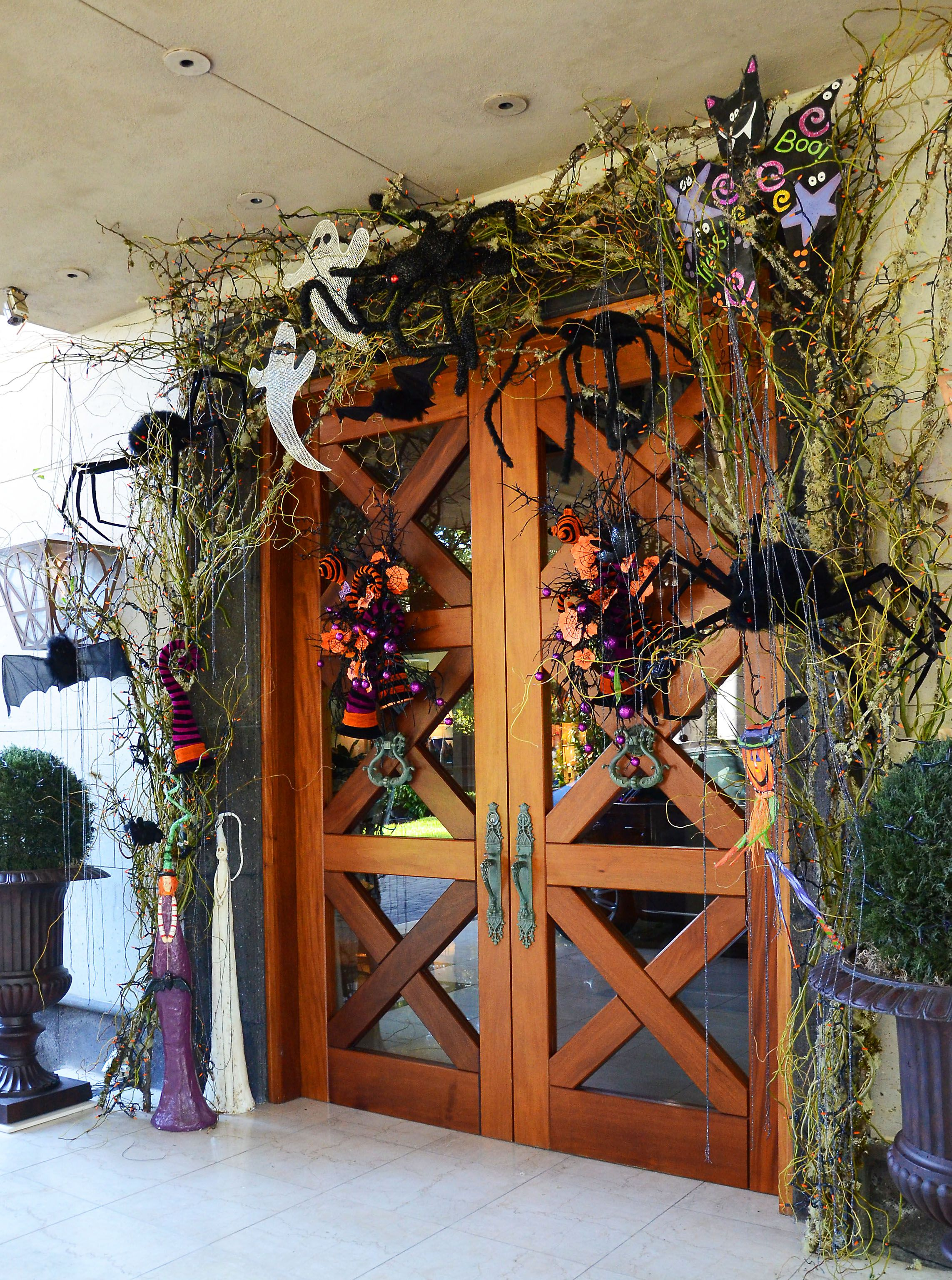 Halloween front door decor idea - from Regina Gust, interior - Halloween House Decorating Ideas Outside