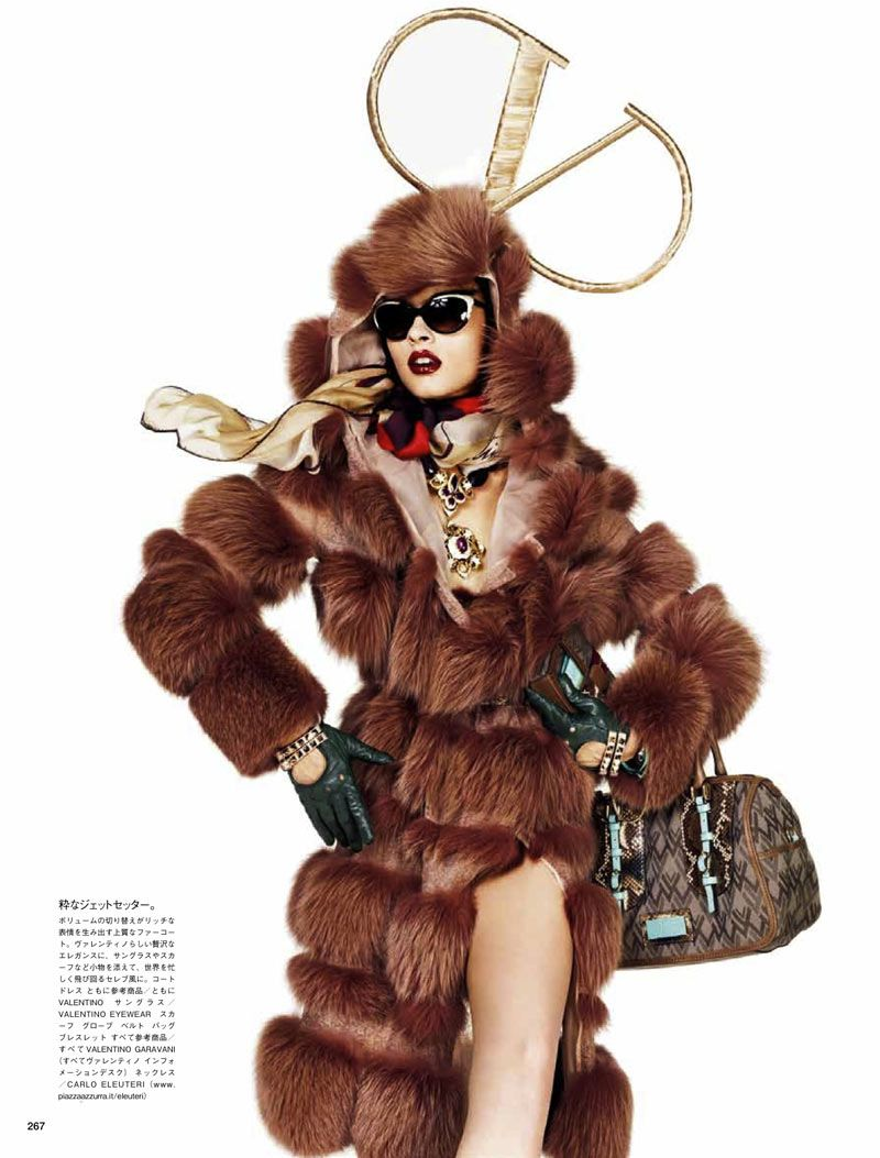 Crystal Renn by Giampaolo Sgura for Vogue Japan. Styled by Anna dello Russo. So many incredible accessories, so little time.