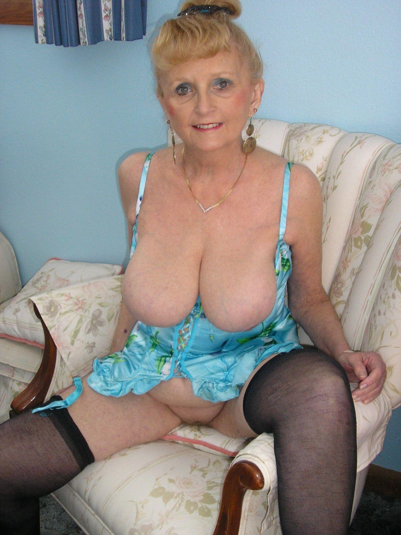 hot women nude but