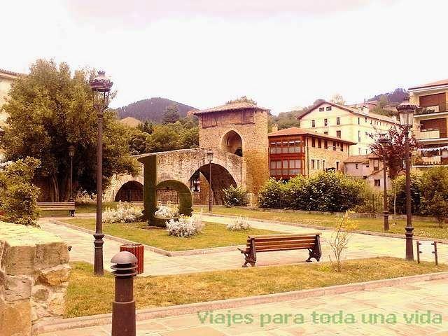 La localidad vasca de Balmaseda, en Vizcaya Viajes y