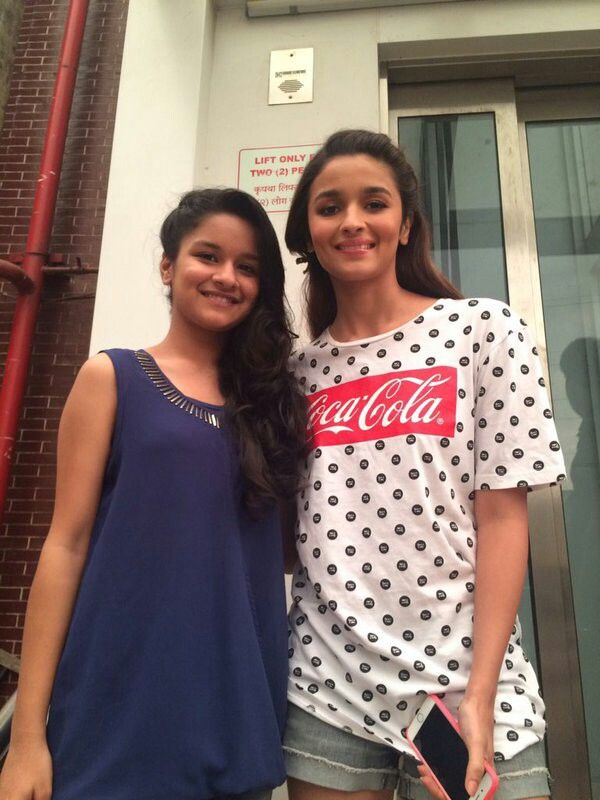 Alia With Avneet Kaur  Alia Bhatt  Alia Bhatt Cute, Alia -5033
