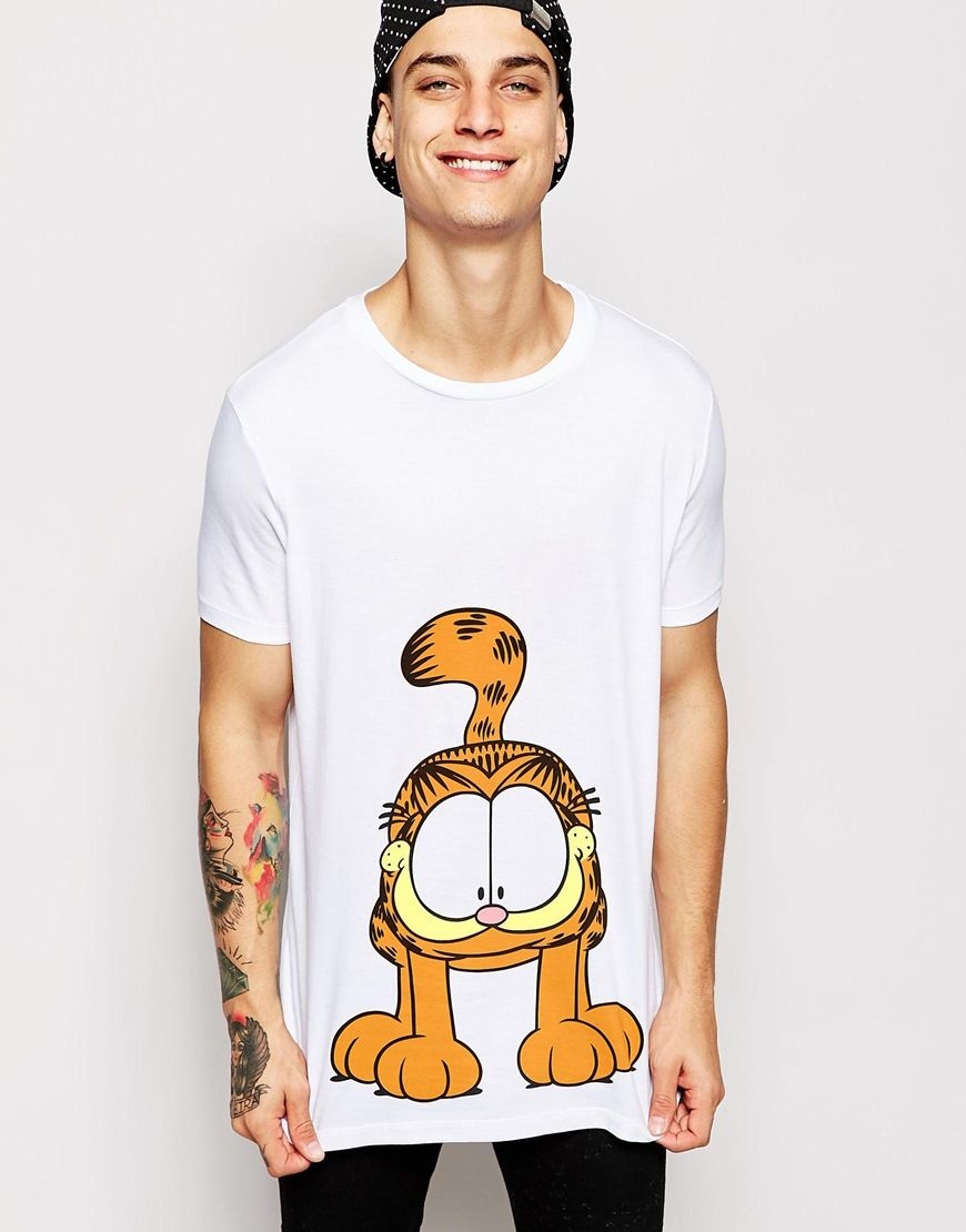 Garfield and I have two things in common. We are both lazy and we both love lasagne...that's all the reasoning I need to get this t-shirt.