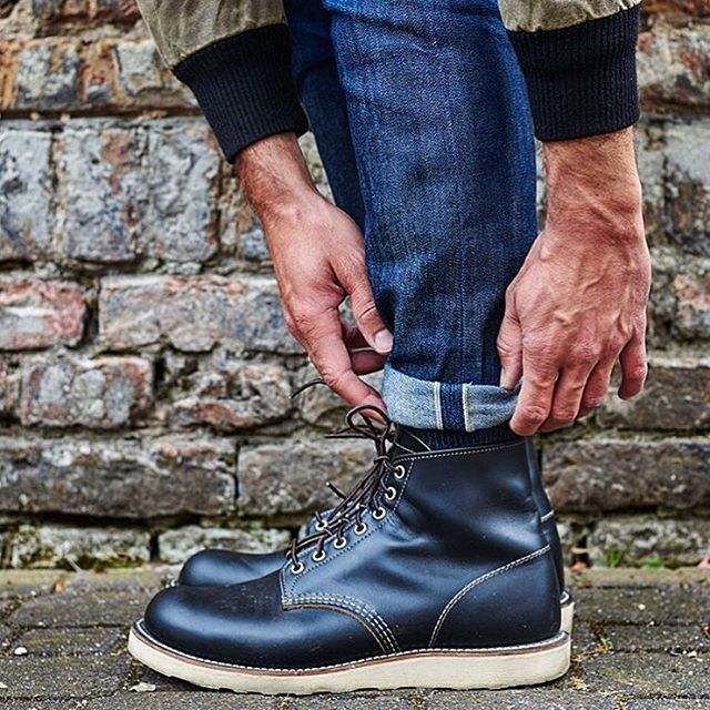 We're all for classic combo's, like these selvedge denims
