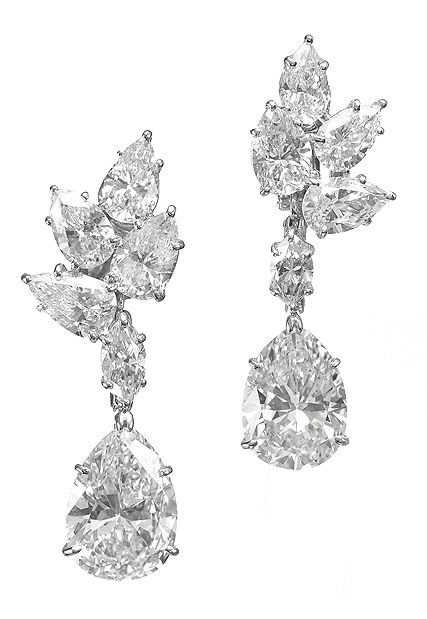Harry Winston Vintage Pear-Shaped Diamond Drop Earrings, 1967