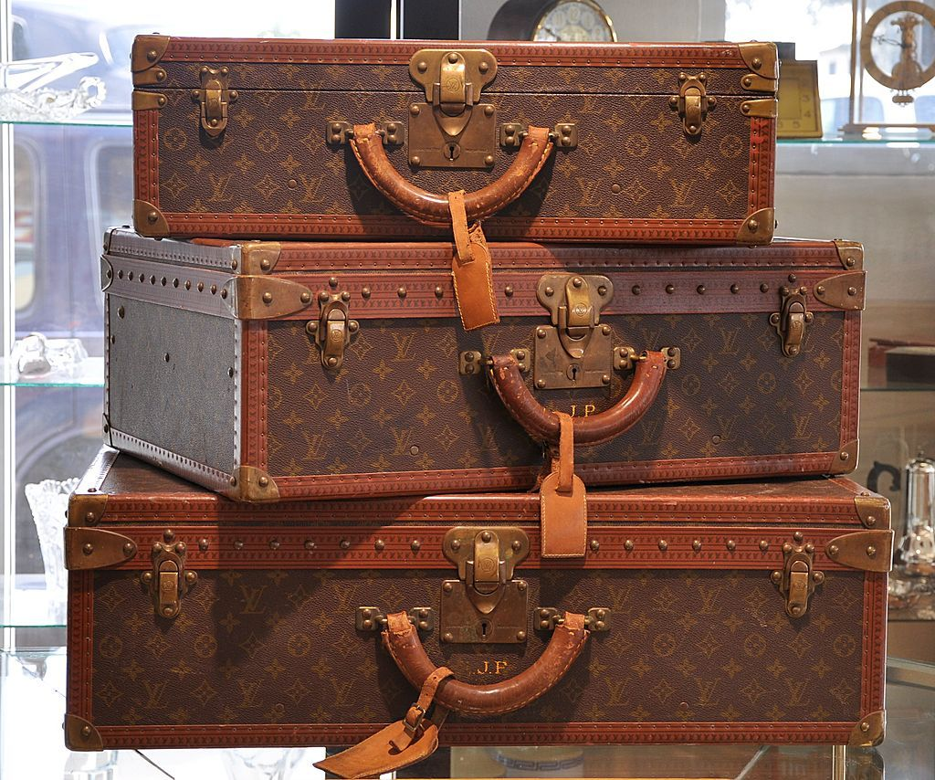 a50106413d28 Vintage Louis Vuitton Luggage trunk set