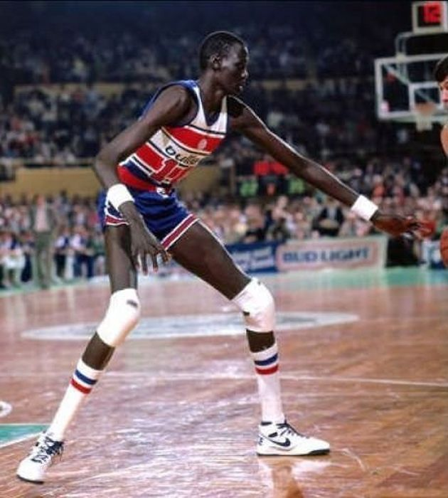 manute bol was 7 u0026 39 7 u0026quot  and had the biggest wingspan of any