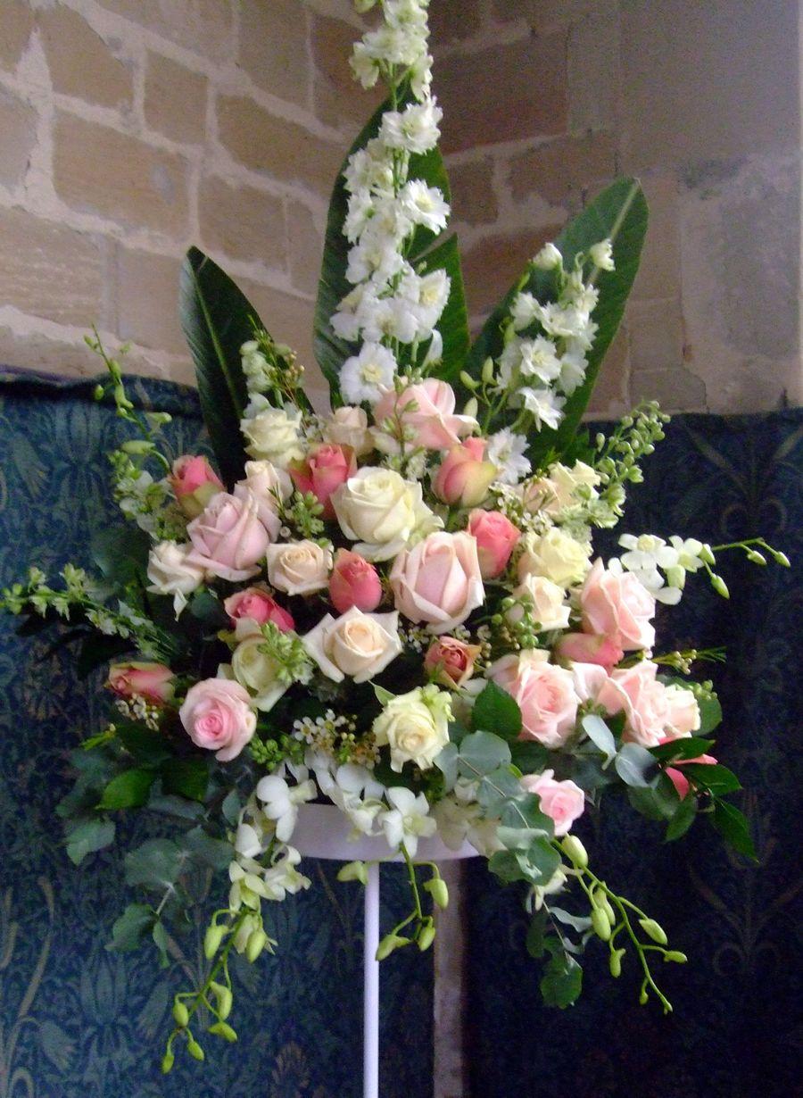 Pink Cream Church Flowers Jpg 900 1 230 Pixels Church Flower Arrangements Large Floral Arrangements Flower Arrangements