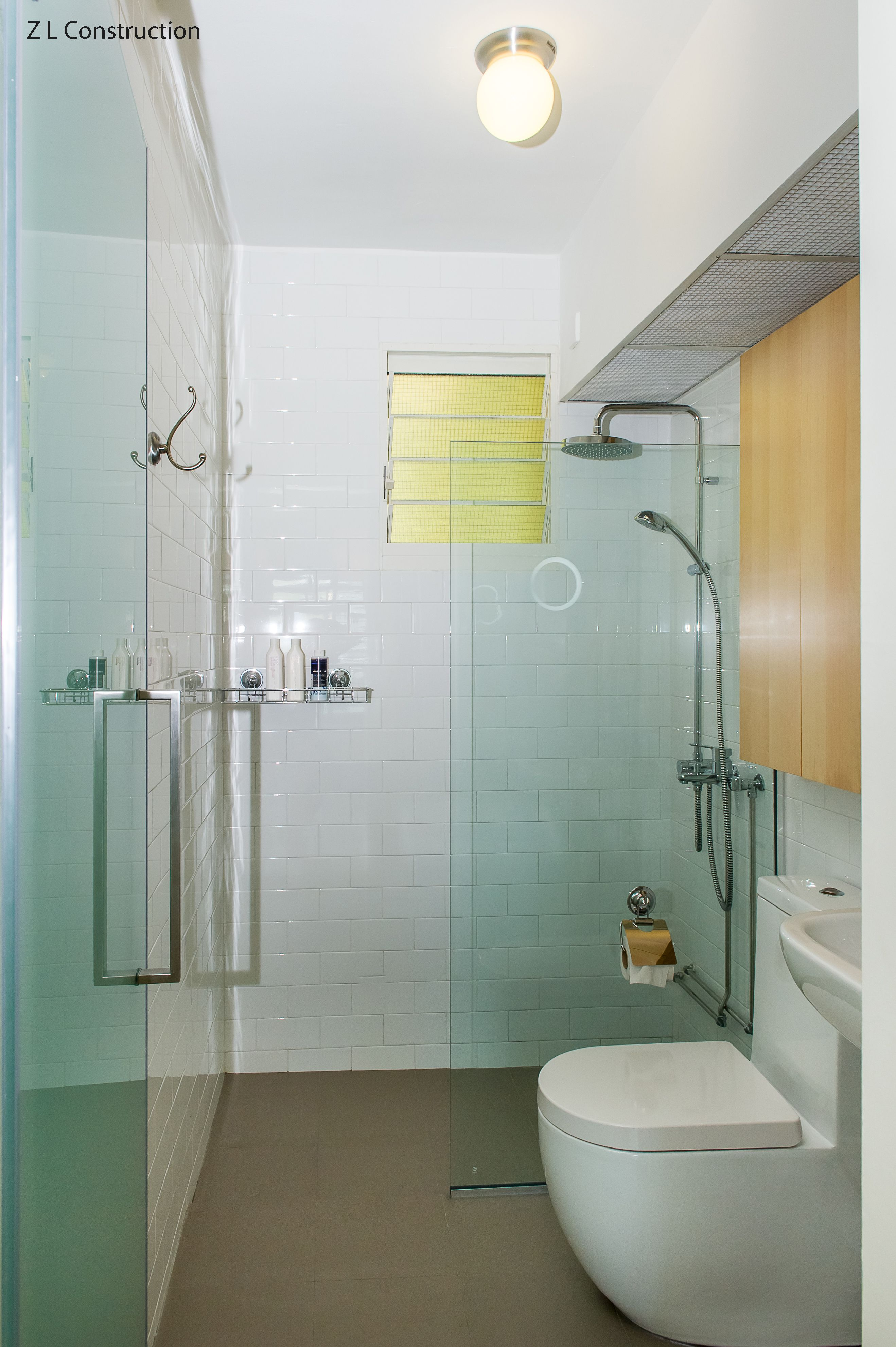 Z l construction singapore hdb bathroom with glass for Small bathroom design singapore