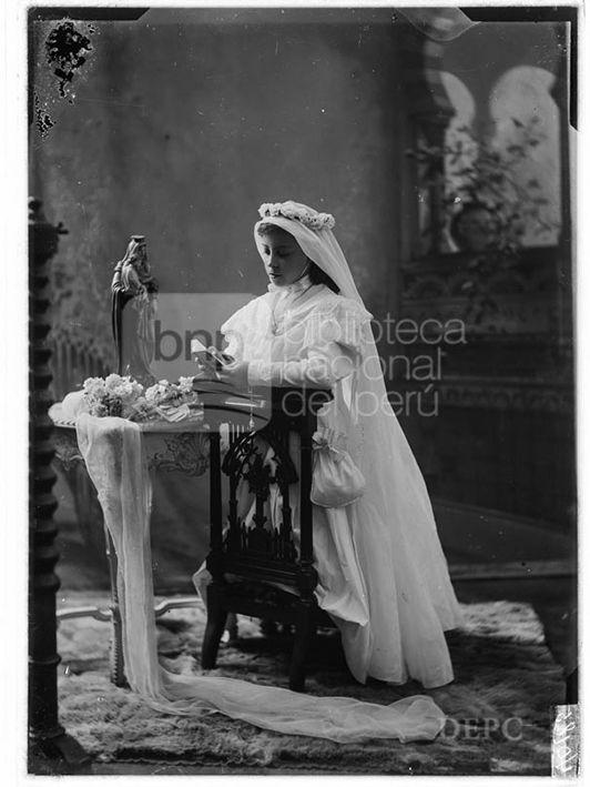 María Rizo Patrón, Fotografia de Eugenio Courret, publicada en 1908 - Biblioteca Nacional del Perú