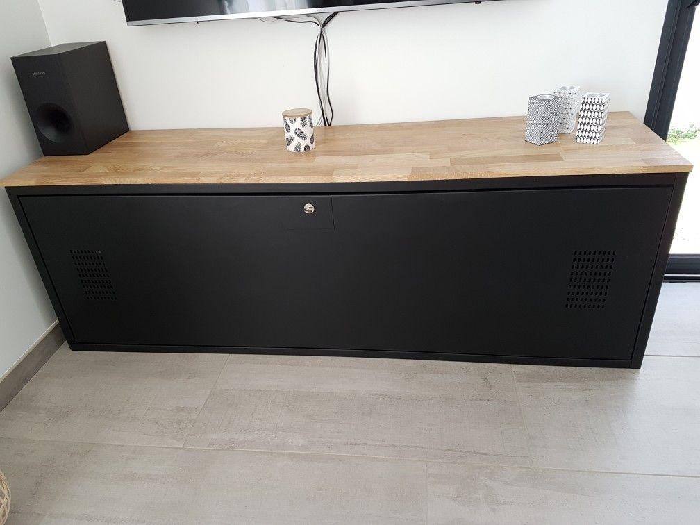 Casier/ vestaire metal transformé en meuble tv Peinture noire mat - Peindre Une Terrasse En Beton