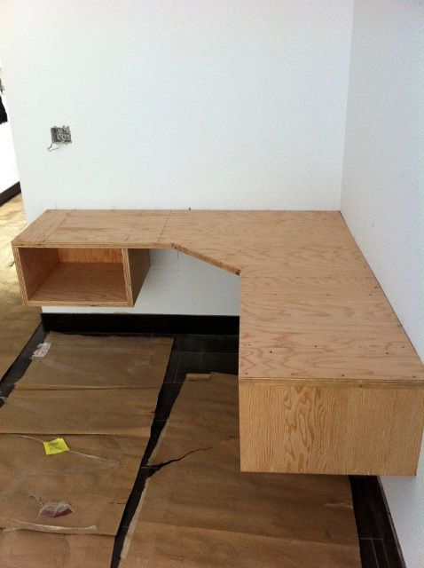 Building A Floating Desk Diy Corner Desk Diy Desk Plans Floating Corner Desk