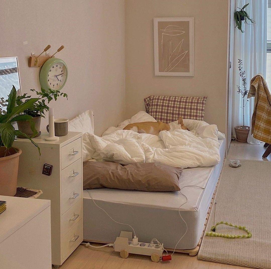 Korean-style minimalist bedroom decoration
