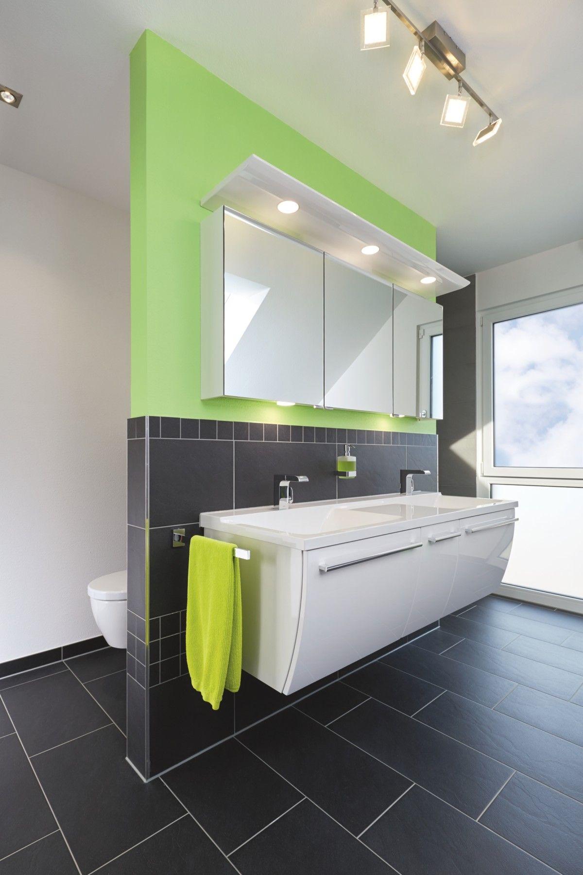 Badezimmer Trennwand Wc Und Doppelwaschbecken Fliesen Grau Einrichtungsideen Haus Generation 5 5 Weberhaus Hausbaudir Weber Haus Haus Badezimmer Renovieren