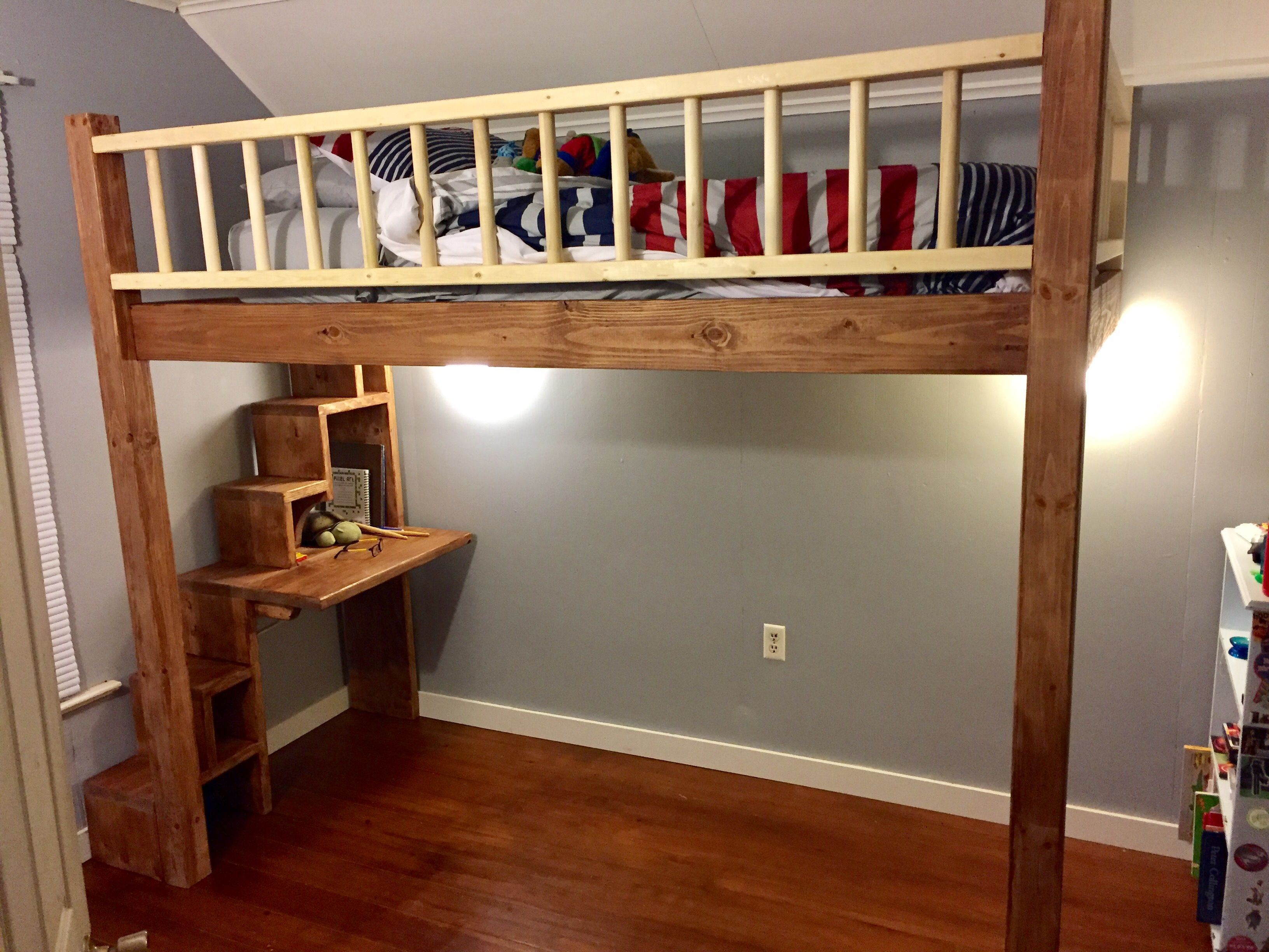 Stair Box In Bedroom: Loft Bed Plans With Stairs And Desk