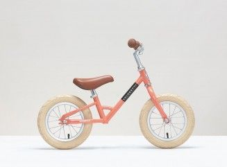 The Veloretti Mini Dark Pink is the ideal balance bike and the perfect  first bicycle for kids aged between 2 to Weight: kg Minimum saddle height  (from the ...