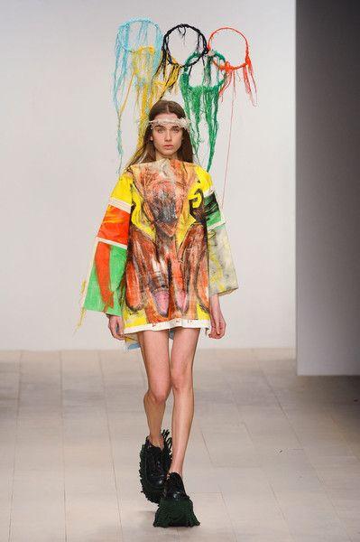 Central+Saint+Martins+Ma+Fashion+Fall+2012+QILsh43SCbvl.jpg 399×600 ピクセル