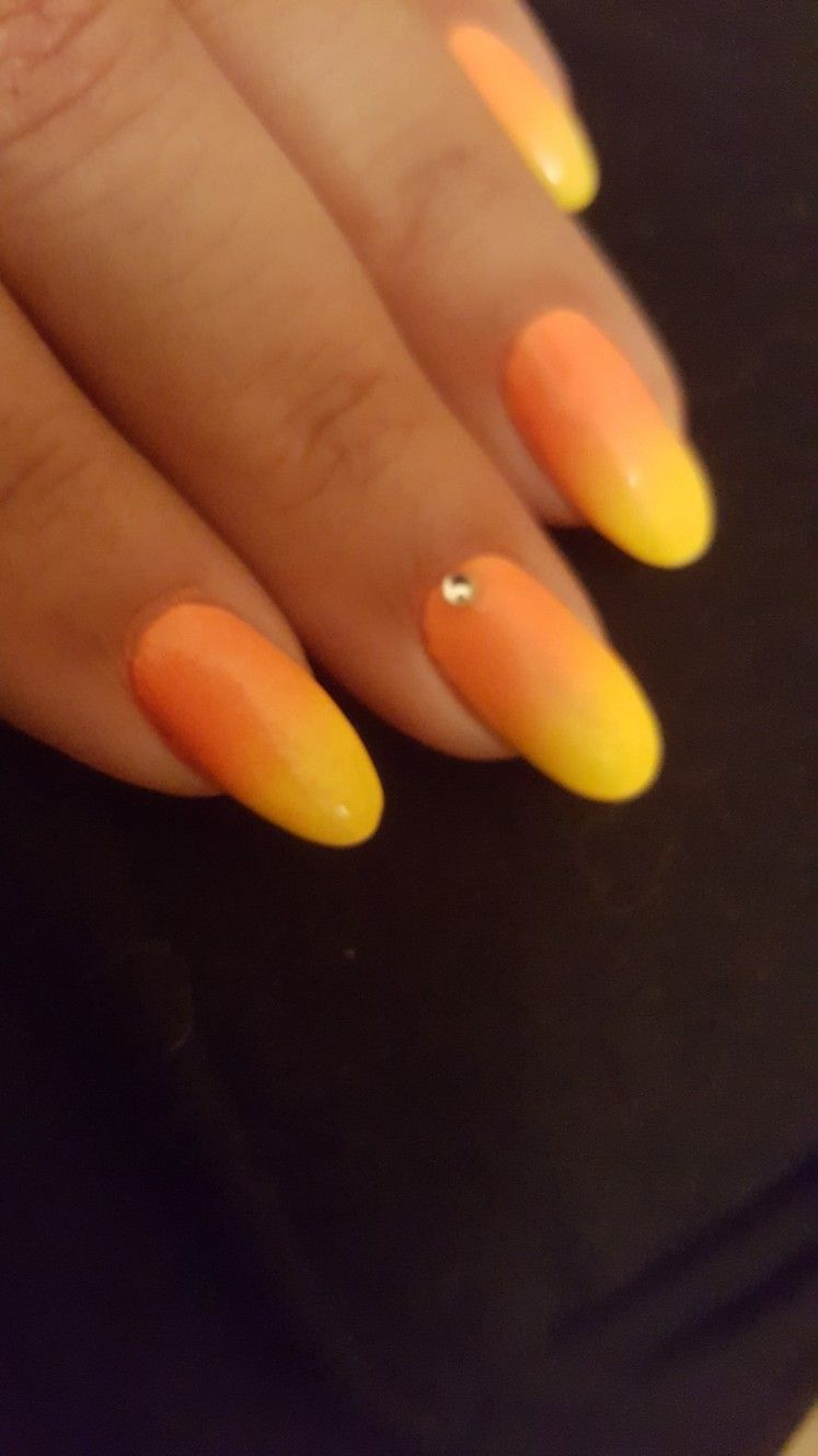 Ombre Nails Summer Tropical Orange And Yellow Ombre Nails Orange Ombre Nails Yellow Nails
